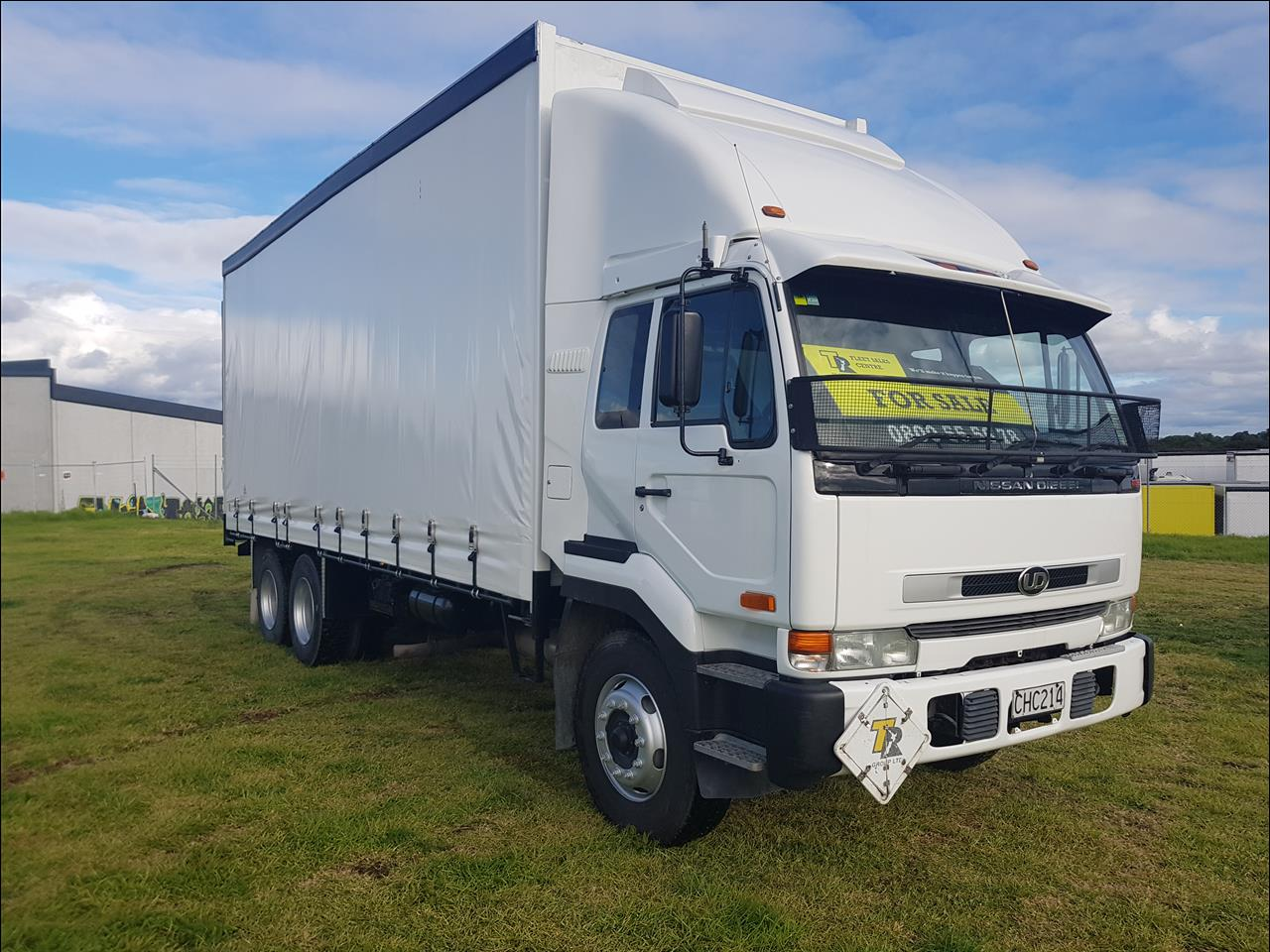 Image - 2004 Nissan Diesel CW330 - 6x4 Curtainside Tail Lift