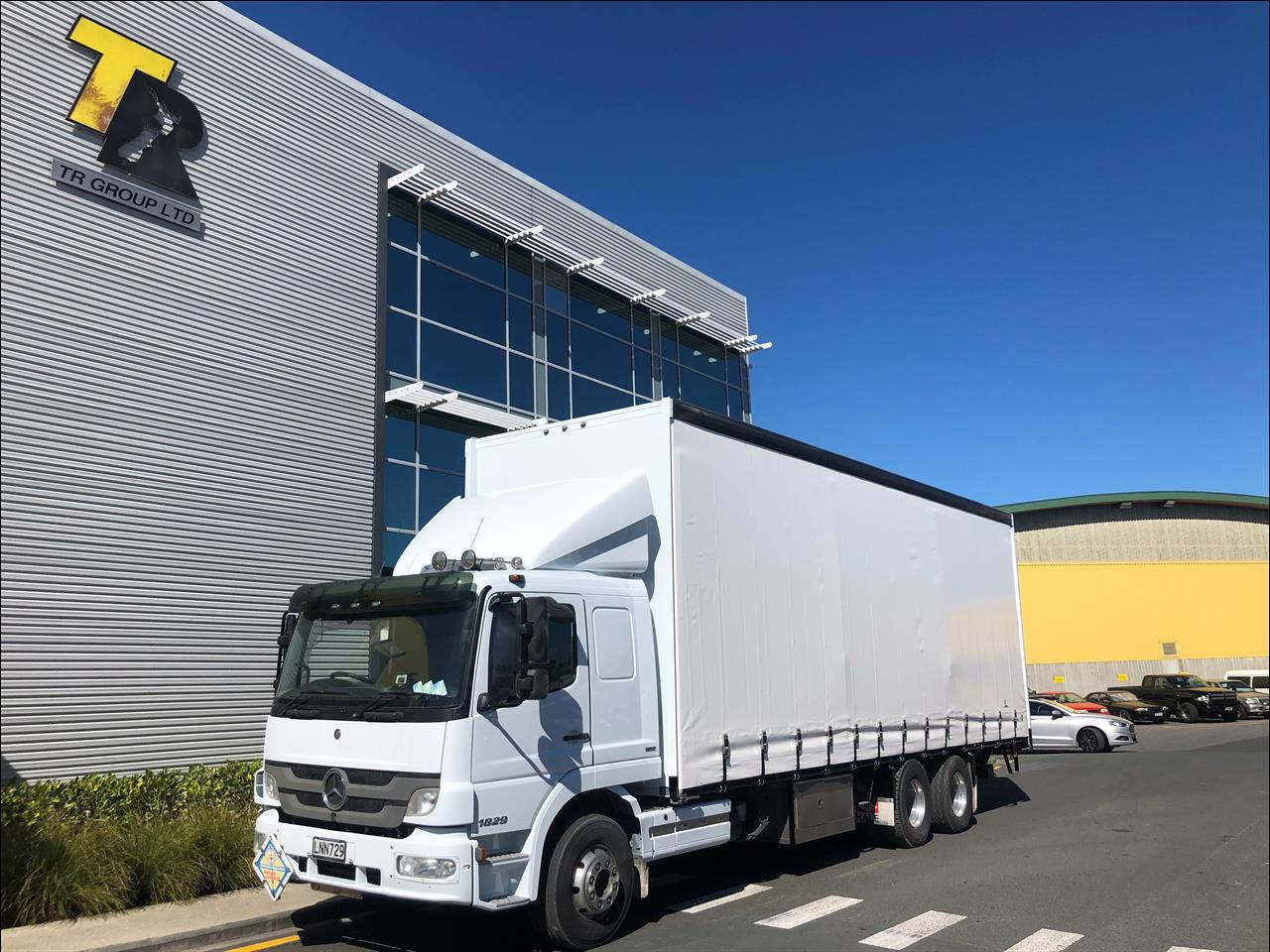 2013 Mercedes-Benz ATEGO - 6x2 curtainsider